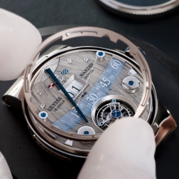 Grand-Deck-Marine_Tourbillon